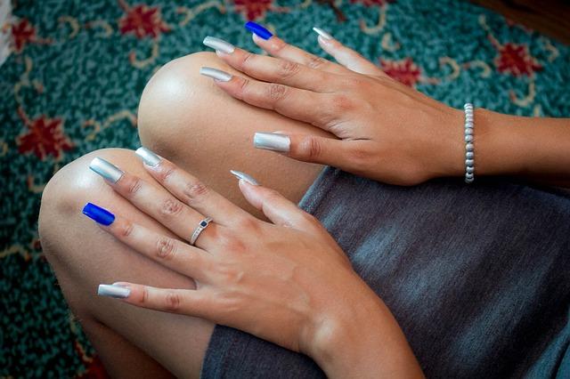 【爪の形】種類と整え方!指をすらっと細く魅せる印象UPの形とは