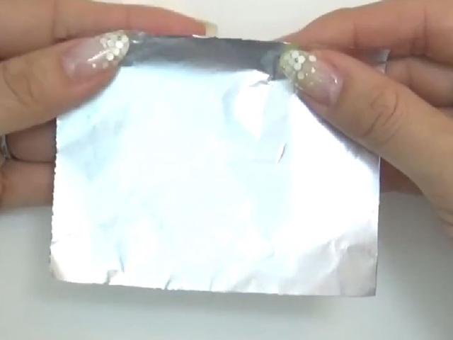 ジェルネイルオフ【基本のやり方】爪を傷めない方法とは?